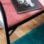 Fauteuil Cavallo noir velours rose