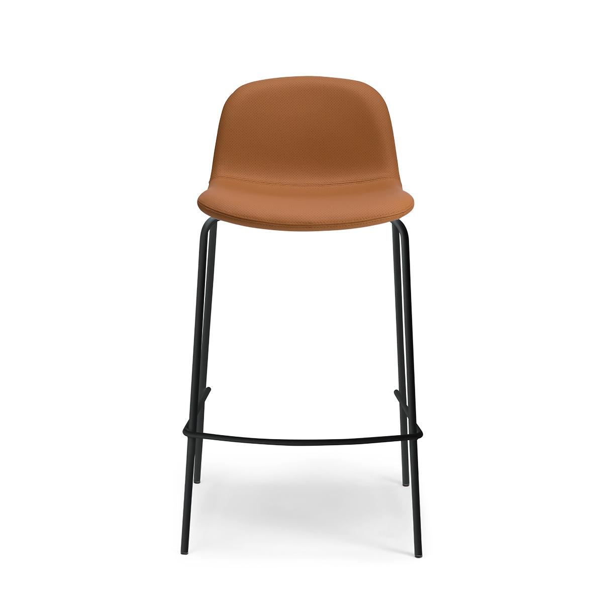 Chaise de bar Monza pieds noirs cuir perforé caramel