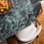 Table de salle à manger Carlotta Alta marbre vert et pieds frêne finition iroko - 8 places